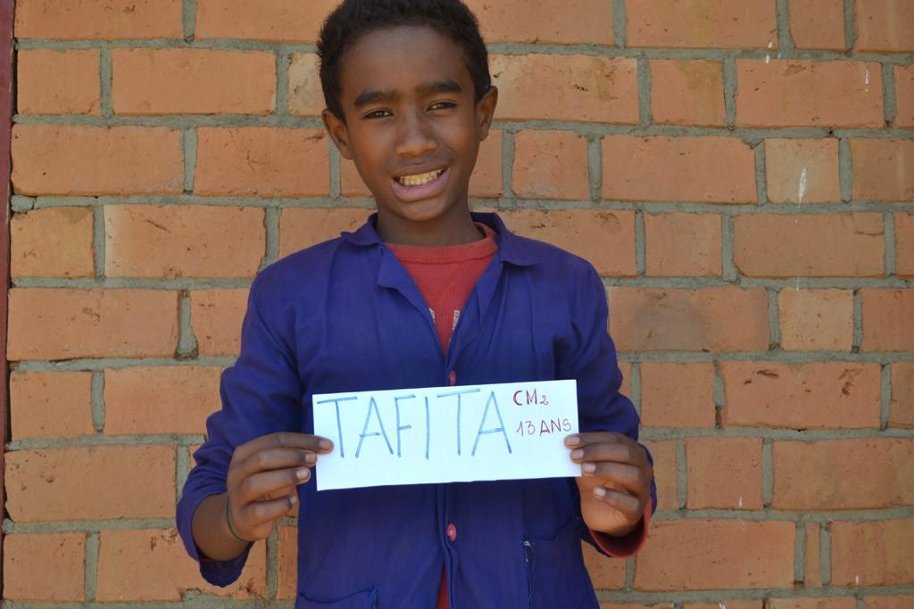 Tafita (Hermanampisoa), CM2, né en 2002 Parrainé par Françoise. Année scolaire 2015-2016